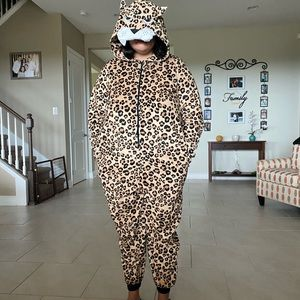 Cheetah Unisex Costume Divided By H&M